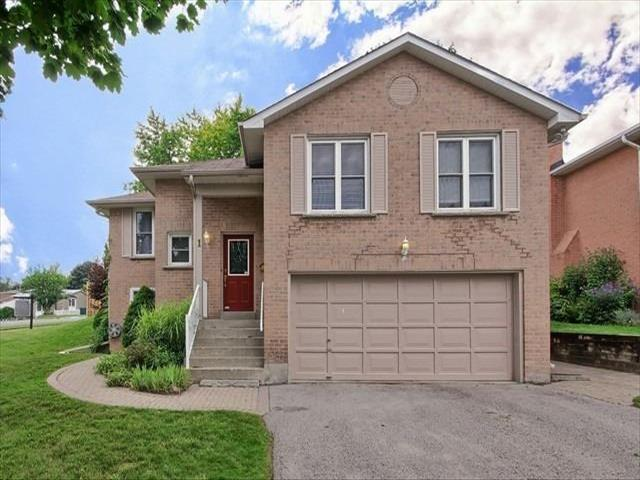 1 Timbertrail Cres