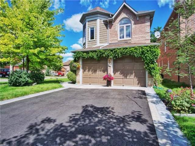 85 Ballymore Dr